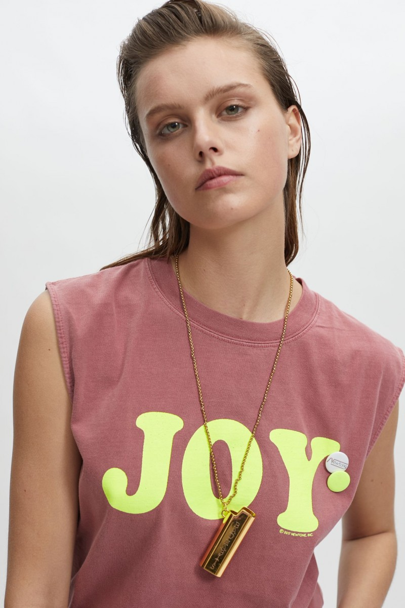 Camiseta Joy cherry